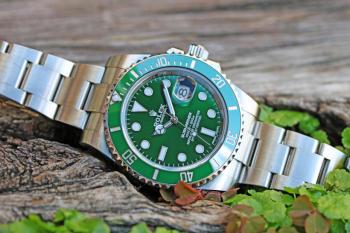 ROLEX Green Submariner Date 116610LV